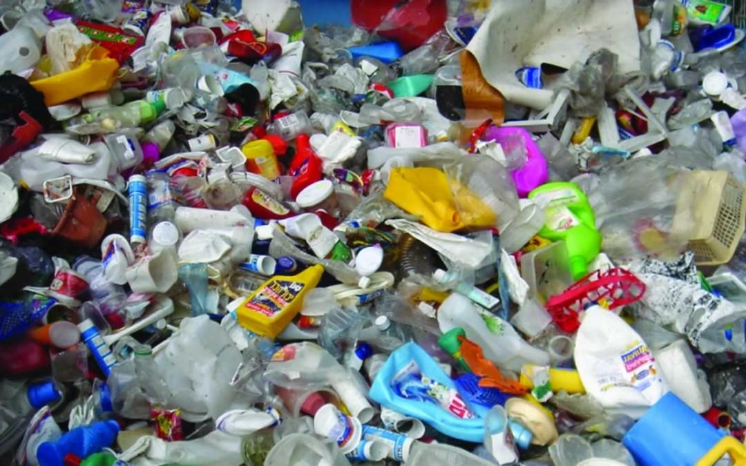 Greenpeace pide suprimir los envases de plástico en los supermercados